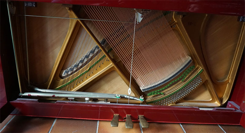 Thomann-Klavier Resonanzboden Bass-Brücke